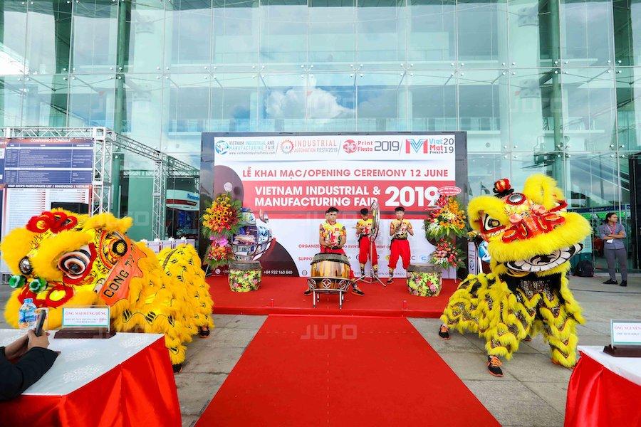 Khai mạc Viet Nam Industrial and Manufacturing fair