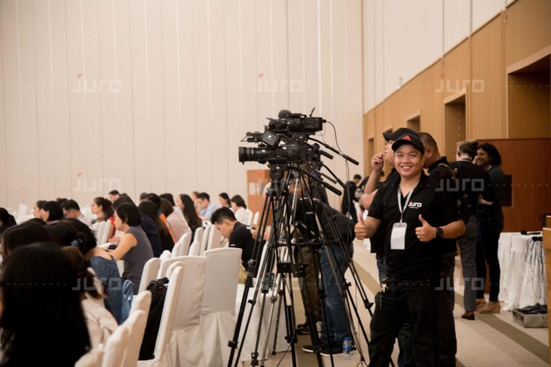 Tác phong chụp ảnh sự kiện chuyên nghiệp