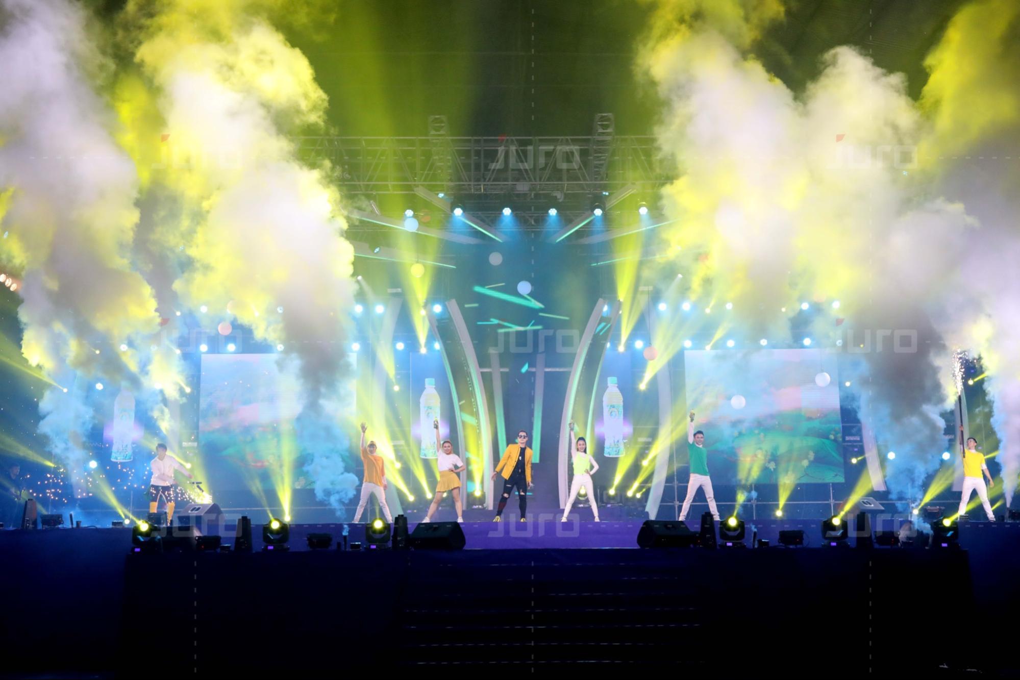 Tổ chức sự kiện phong cách bữa tiệc đại nhạc hội
